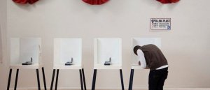 In Blow To Mail-In Voting, Scientists Find No Connection Between Long Lines, Spread Of COVID-19
