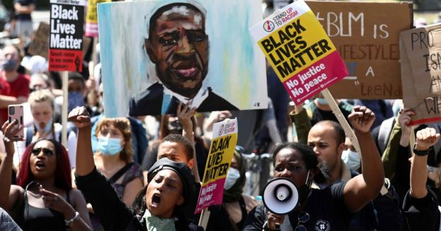 Pandering Or Reimbursing? Not 1, Not 2, But 4 Executive Orders Signed Just To Make BLM Happy