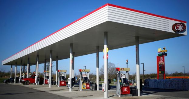 Southern States Out Of Fuel-Thousands Stuck