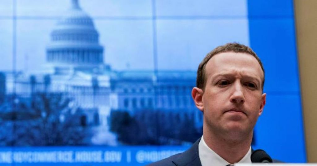 Zuckerberg Is Going Down Like The Titanic: Proof That Facebook Frontman Was DNC's Bagman