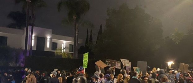 Black Lives Matter Mob Marches Through Beverly Hills Neighborhood Chanting 'Eat the Rich' (VIDEO)
